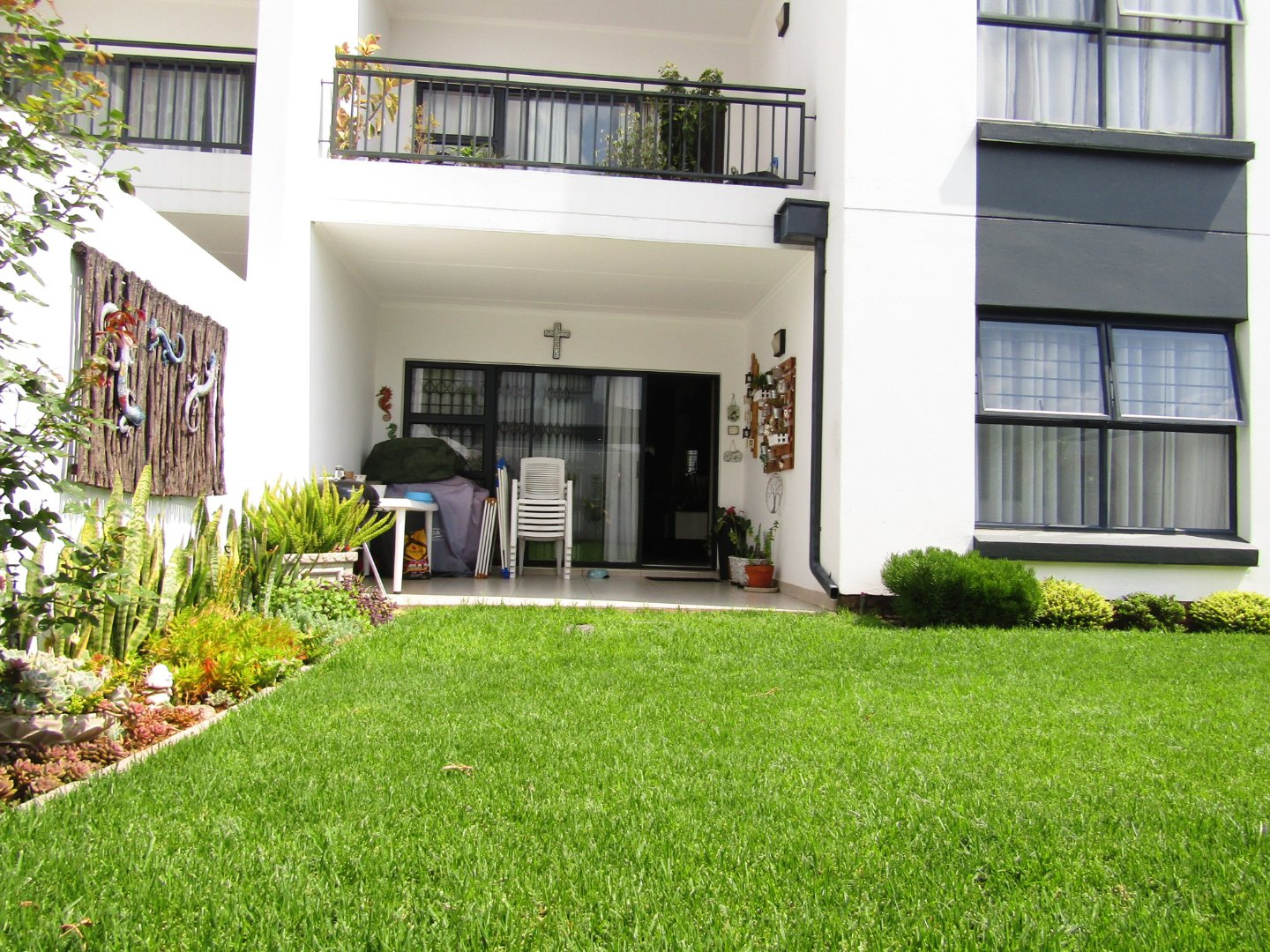 Stunning 3 Bedroom Townhouse for Sale in Greenstone Hill