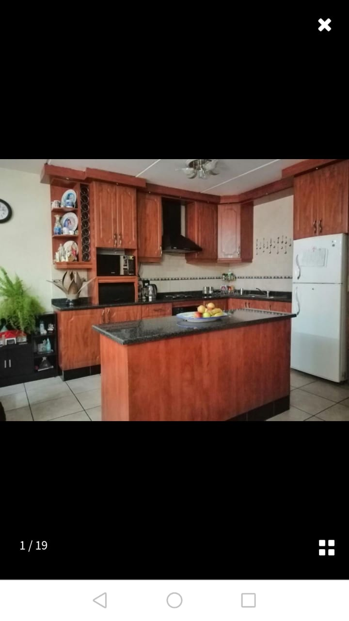 3 Bedroom Home for Sale in Illiondale