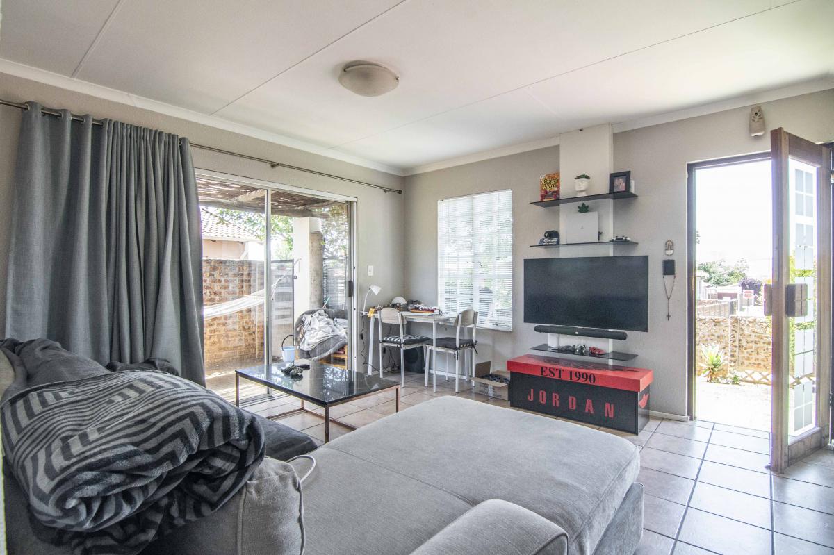 2 Bedroom Townhouse for Sale in Eden Glen