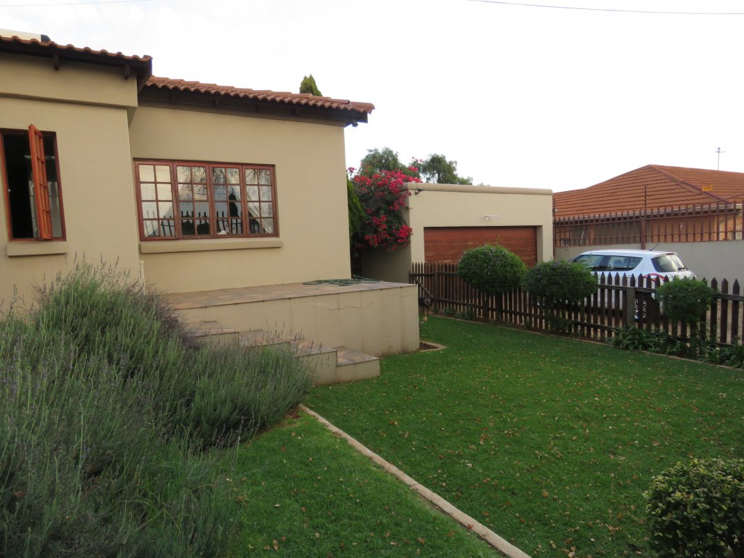 4 Bedroom House for Sale in Solheim